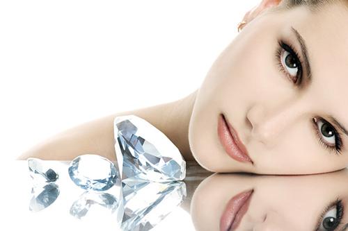 Μικροδερμοαπόξεση με Διαμάντια